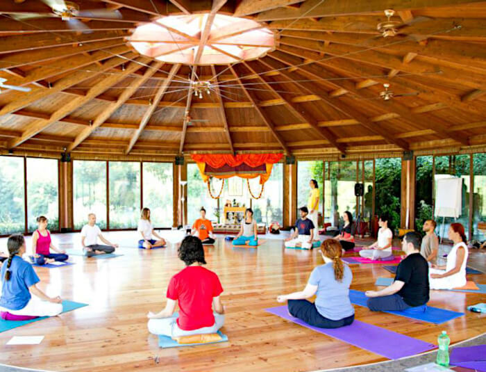 Yoga teachers course near Rome